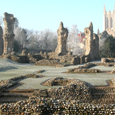 the ruins of St Edmund's Abbey and the cathedral tower